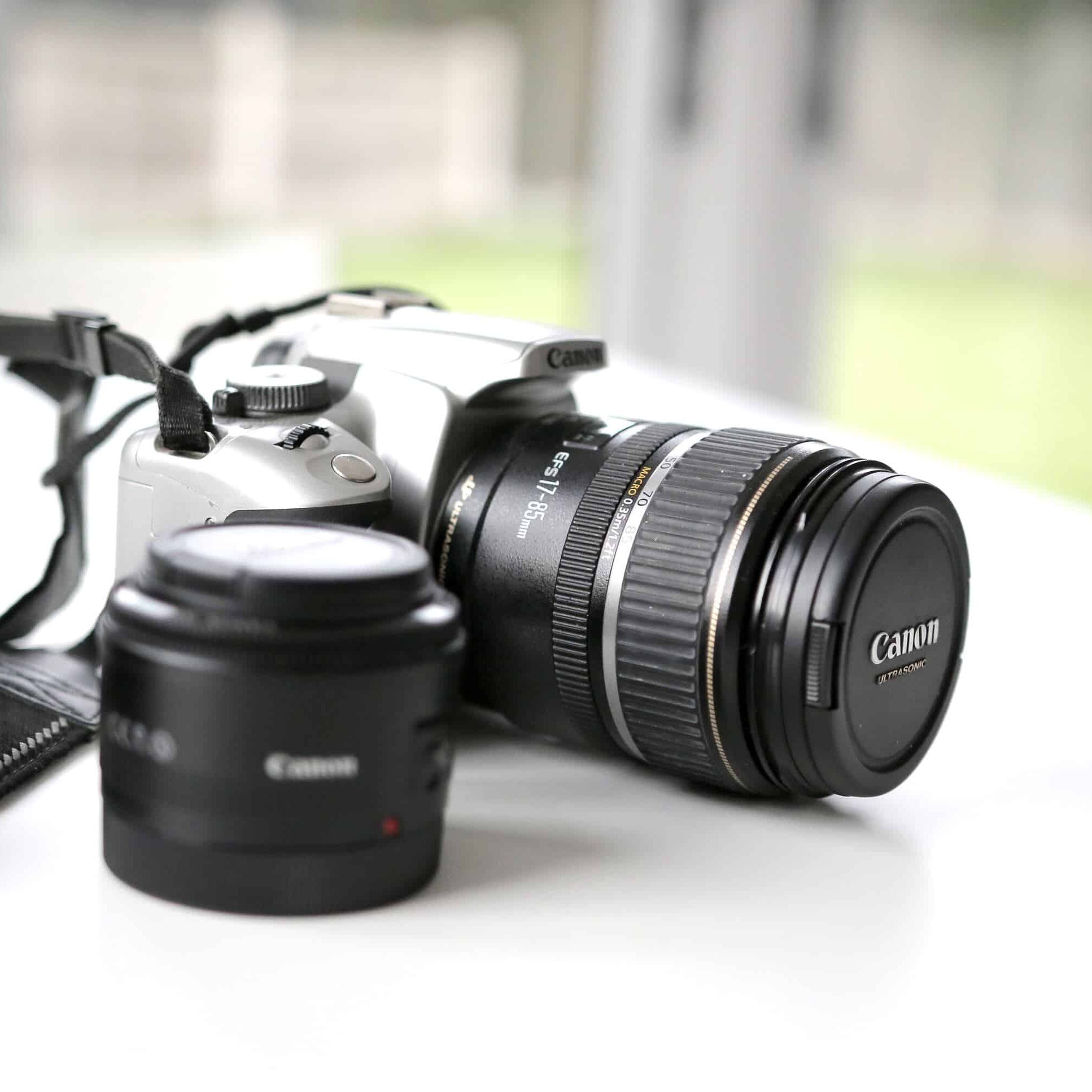 camera-with-lens.jpg
